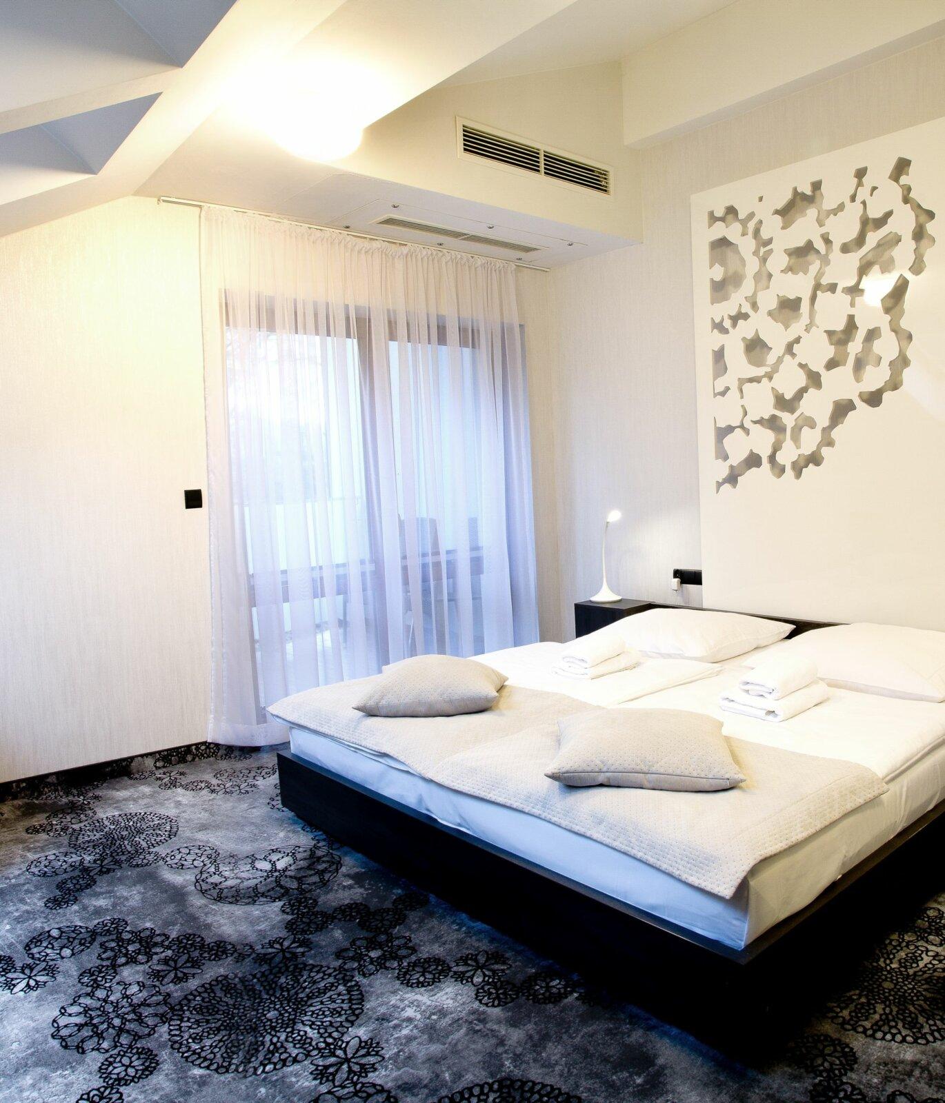 Pokoje i apartamenty-07