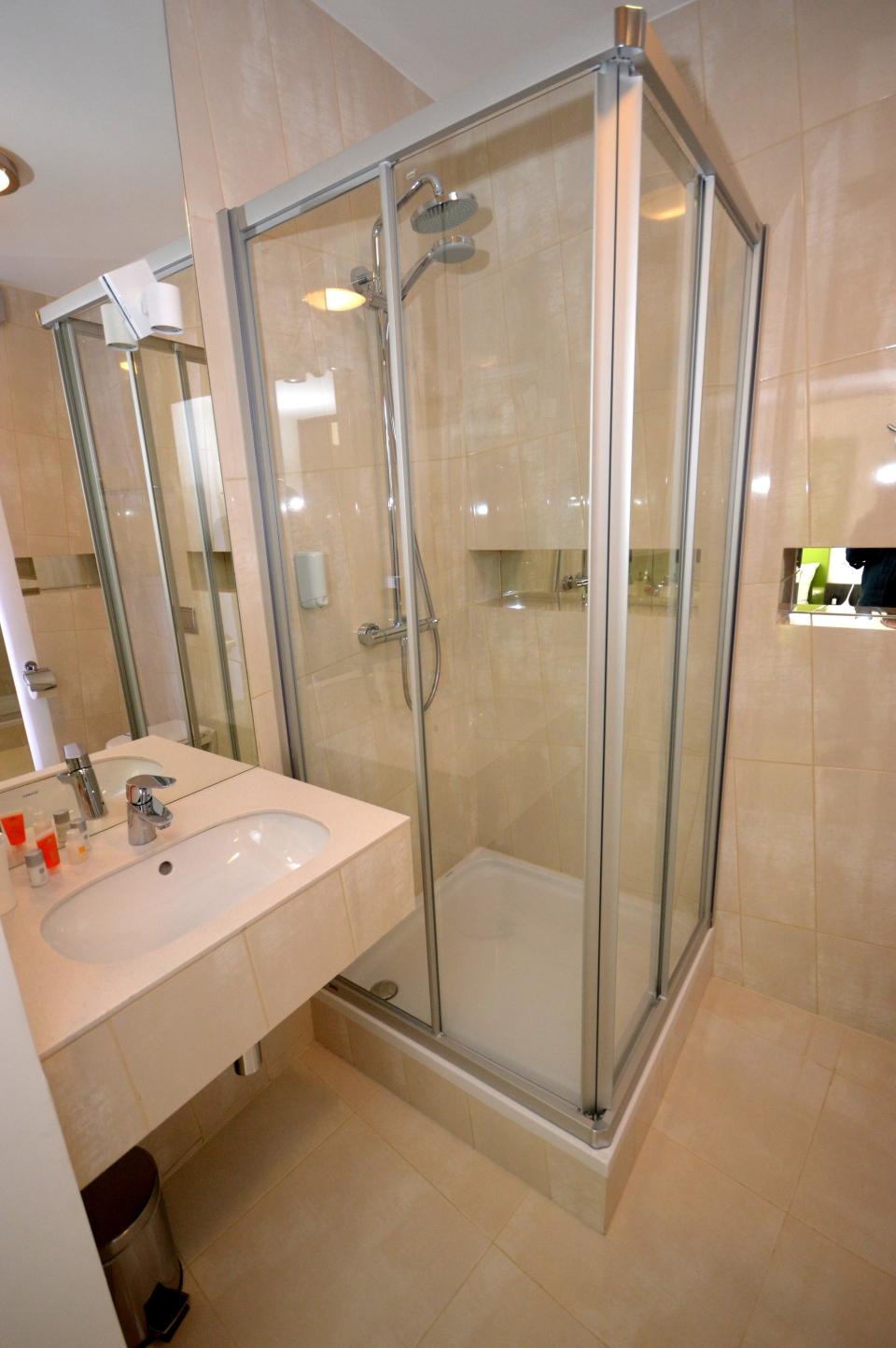 Pokój oliwkowy - łazienka
